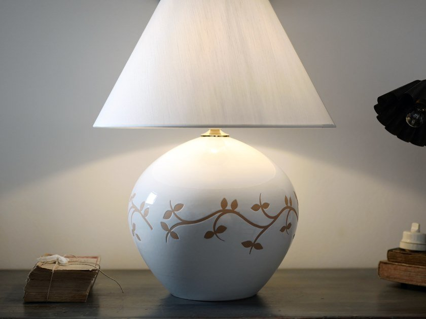 Direct-indirect light ceramic table lamp LE FORME | Table lamp by Cerasarda