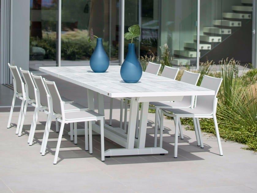 Extending rectangular HPL garden table AMAKA | Table by Les jardins