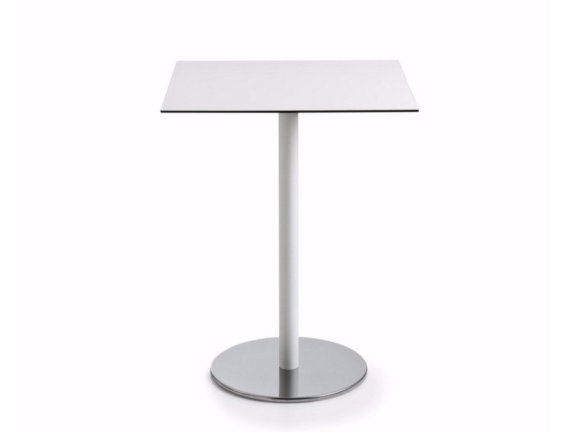 Square laminate table with 4-star base INTONDO | Square table by Luxy