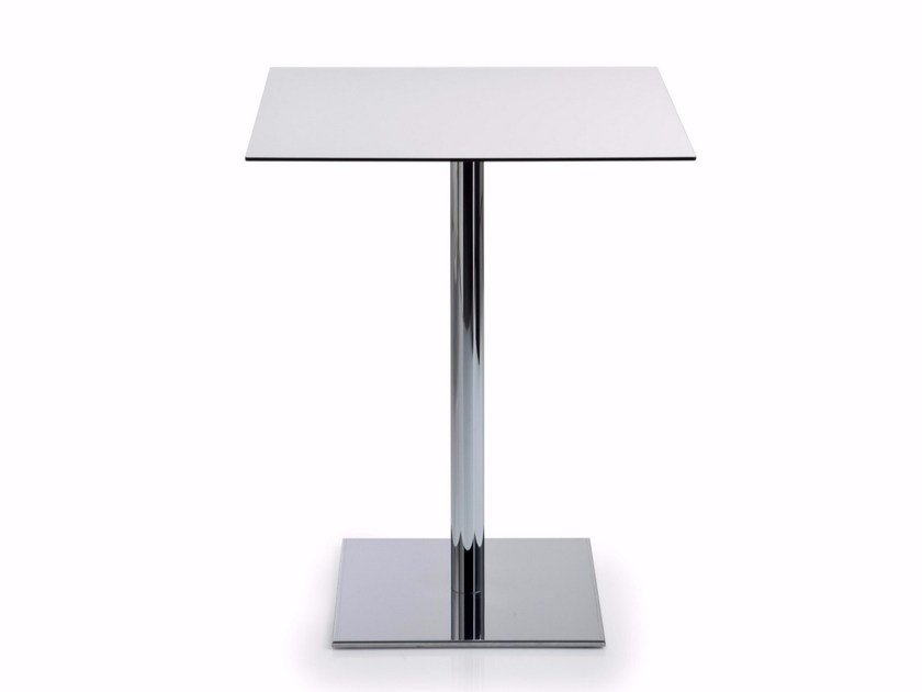 Square HPL table with 4-star base INQUADRO | Square table by Luxy