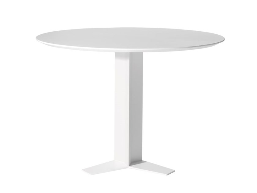 Lacquered round table TRI-STAR | Table by Capdell
