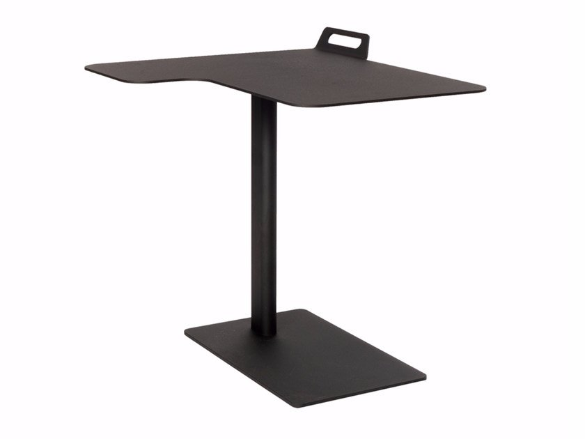 Powder coated steel corner side table TAIL CORNER by Palau