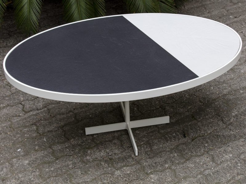 Oval porcelain stoneware coffee table TALK | Oval coffee table by Cerasarda
