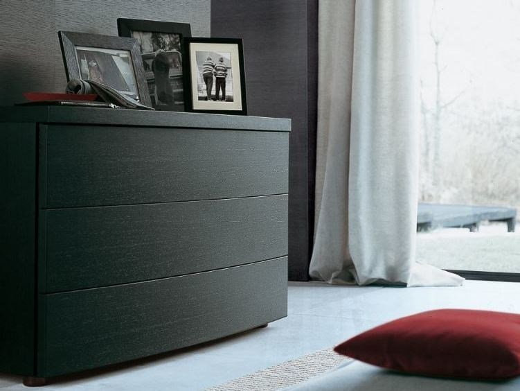 Wood veneer chest of drawers TEO | Chest of drawers by poliform