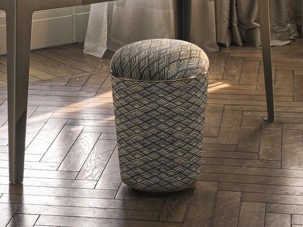 Round fabric pouf TEO LOVELUXE | Fabric pouf by Longhi