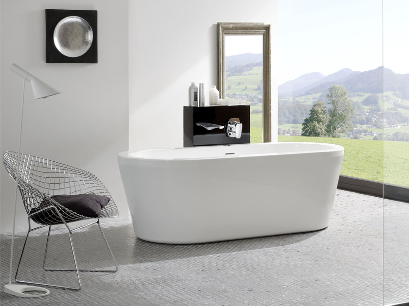 Freestanding acrylic bathtub THE ESSENTIALS | Freestanding bathtub by Jacuzzi