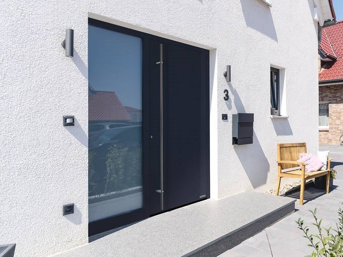 Flush-fitting stainless steel entry door THERMOPLAN HYBRID by HÖRMANN ITALIA