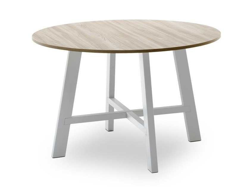Round dining table THOR | Round table by Pointhouse