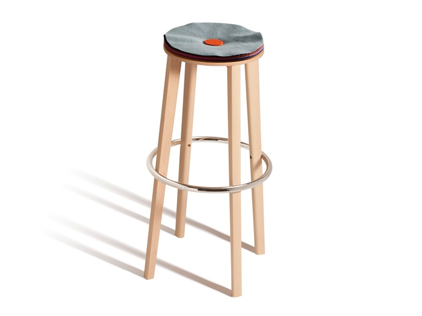 High stool with integrated cushion TOE 534P by Capdell