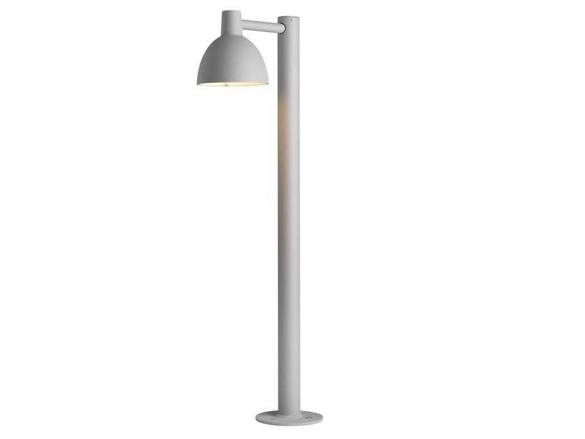 Aluminium bollard light TOLDBOD 155 by Louis Poulsen