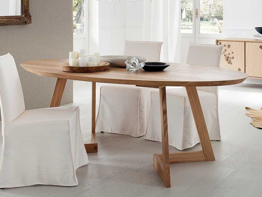 Oval oak dining table TOLEDO + SEVEN by AltaCorte