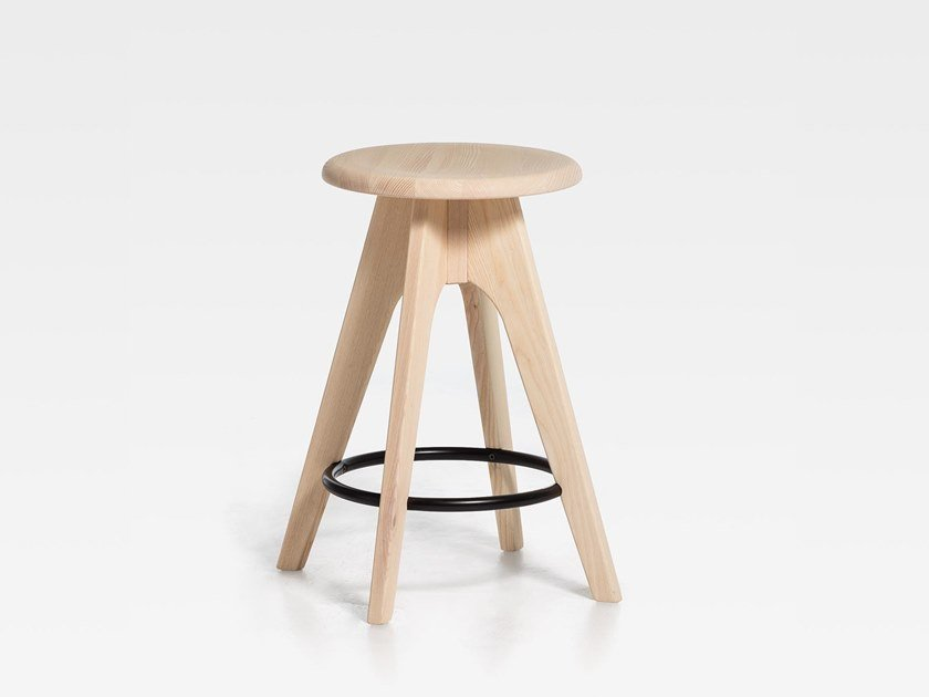 Wooden stool with footrest TOMMY 61 | Wooden stool by SIPA