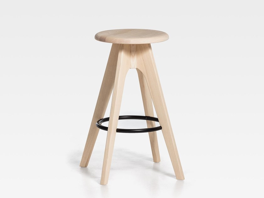 Wooden stool with footrest TOMMY 76 | Wooden stool by SIPA