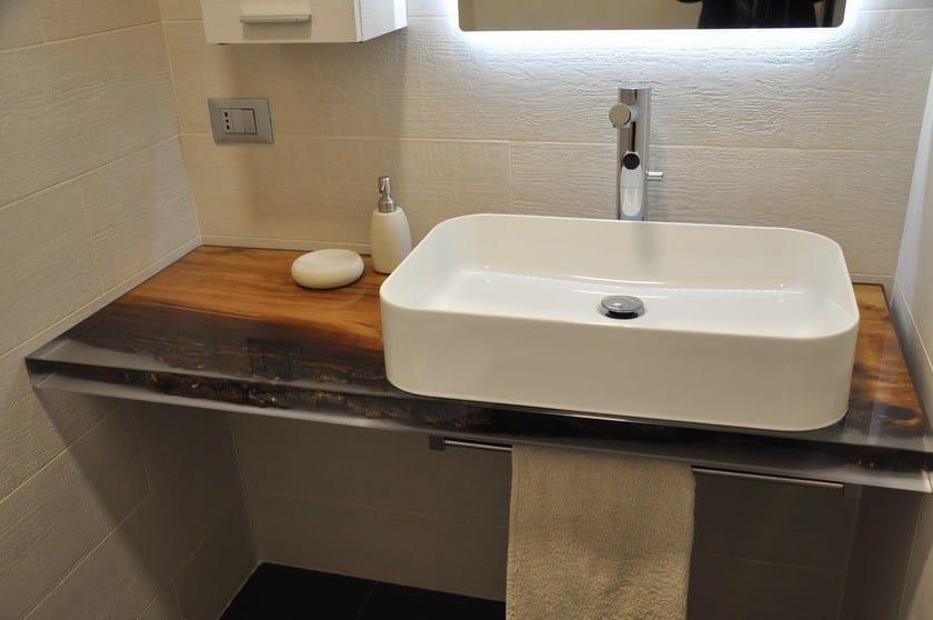 Emejing top bagno legno gallery - Bagno in resina ...