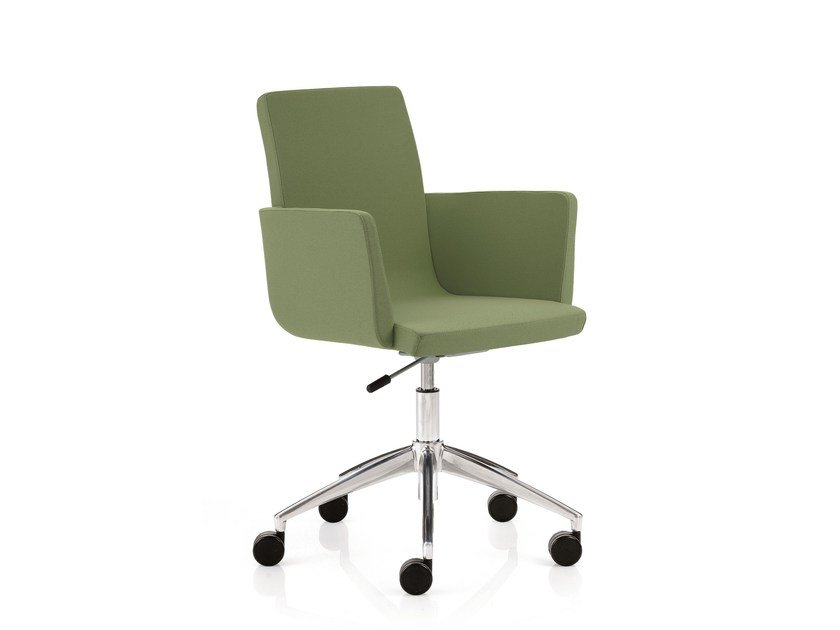 Swivel task chair with 5-Spoke base with armrests WINGS | Task chair with 5-Spoke base by Emmegi