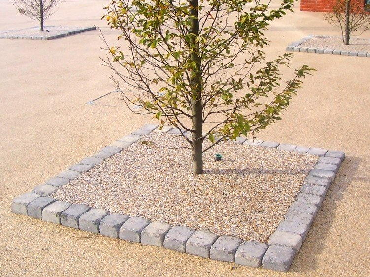 Draining resin Outdoor continous flooring TREE PITS by SureSet