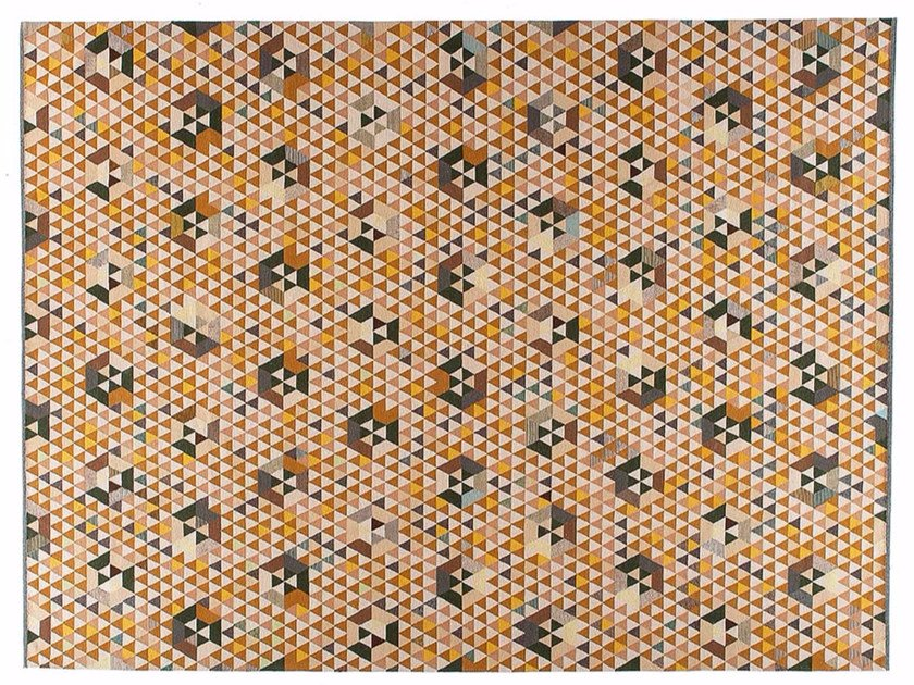 Rectangular rug with geometric shapes TRIANGLEHEX GOLD by Golran