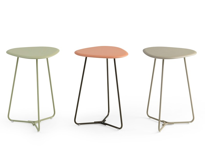 Lacquered side table TRIPOD | Lacquered coffee table by Pode