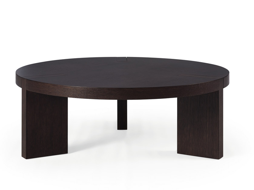 Round wood veneer coffee table TRIPODE | Wood veneer coffee table by HMD INTERIORS