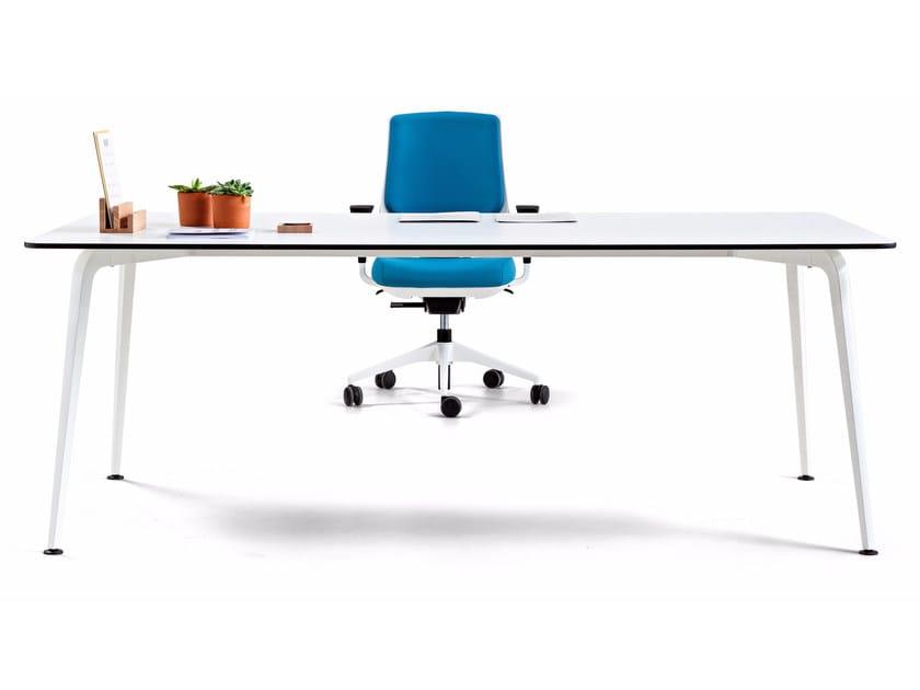 Height-adjustable workstation desk TWIST | Office desk by ACTIU