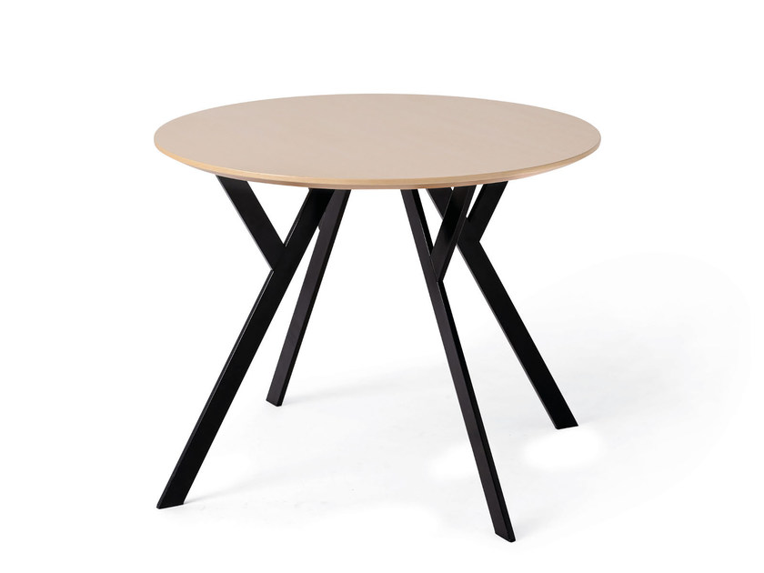 Round wooden table TYPUS | Round table by WILDE+SPIETH