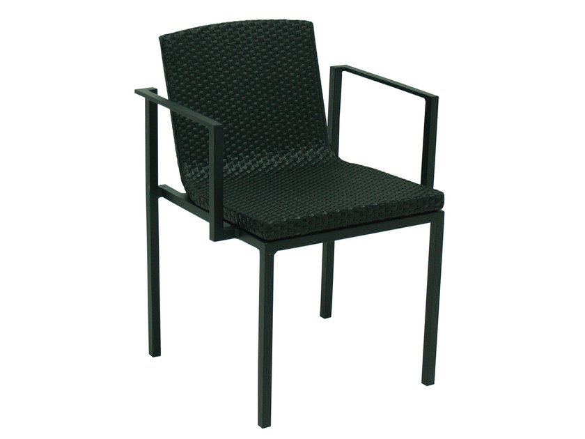 Wicker garden chair with armrests UNA | Resin wicker chair by calma