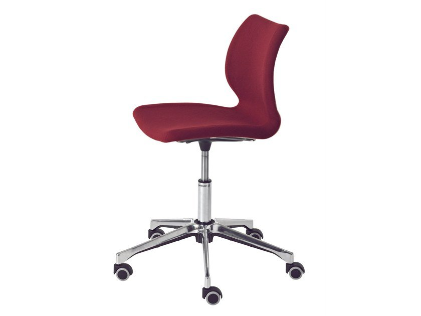 Task chair with 5-Spoke base with casters UNI 558 by Metalmobil
