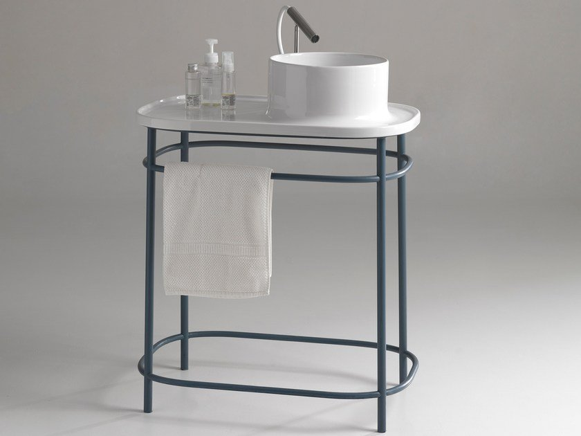Console round ceramic washbasin with integrated countertop UP 700 | Console washbasin by BLEU PROVENCE