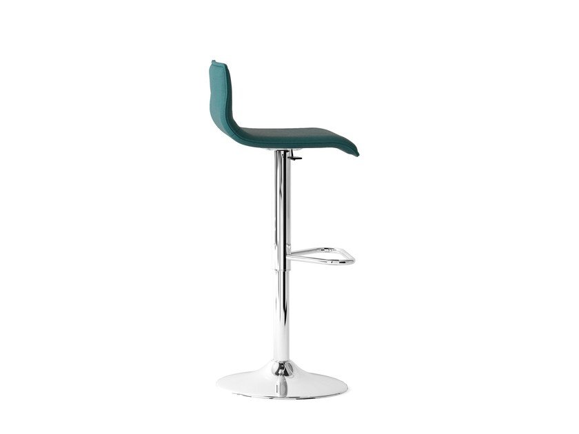 Height-adjustable barstool UPPER | Stool with footrest by Arte & D