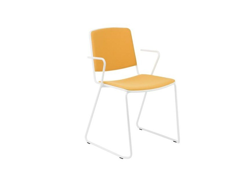 Sled base chair with armrests VEA | Chair with integrated cushion by Mara