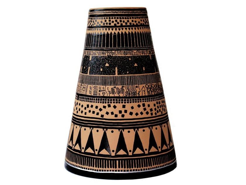 Terracotta vase VEIA I by Kiasmo