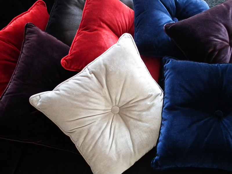 Solid-color velvet fabric SILK VELVET by l'Opificio