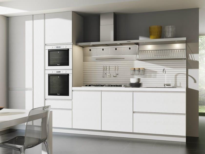 Zeilen- Küche Aus Hpl Ohne Griffe Velve | Küche Ohne Griffe