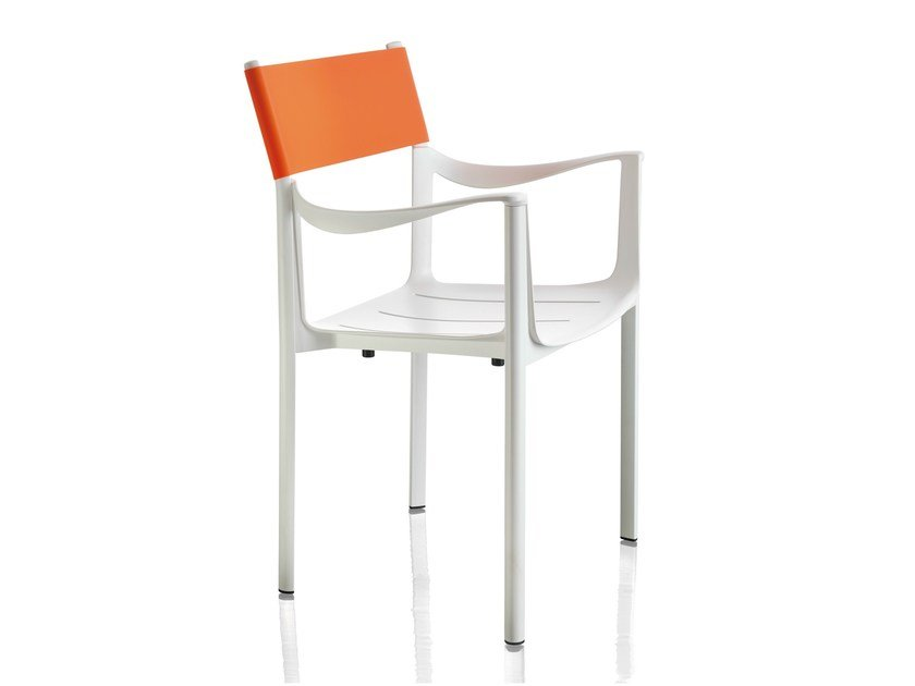 Garden chair with armrests VENICE | Garden chair by Magis
