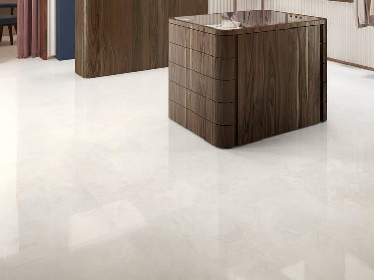 Pavimento/rivestimento in gres porcellanato effetto marmo VIA APPIA CROSS CUT WHITE by CERAMICA SANT'AGOSTINO