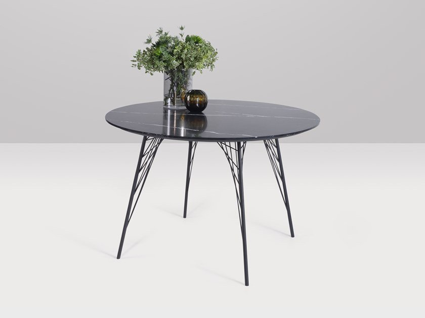 Round quartz table VIENNA | Round table by Recor Home
