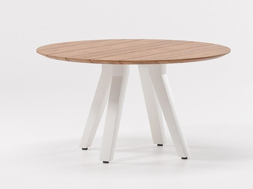 Round teak table VIEQUES | Round table by Kettal