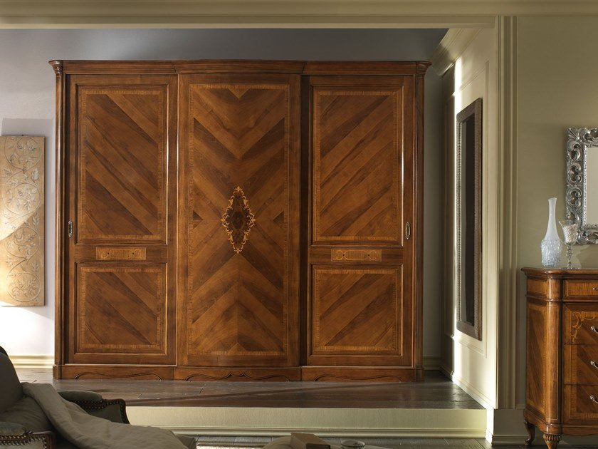 Walnut wardrobe with sliding doors VILLA GIUSTI | Wardrobe by MOLETTA