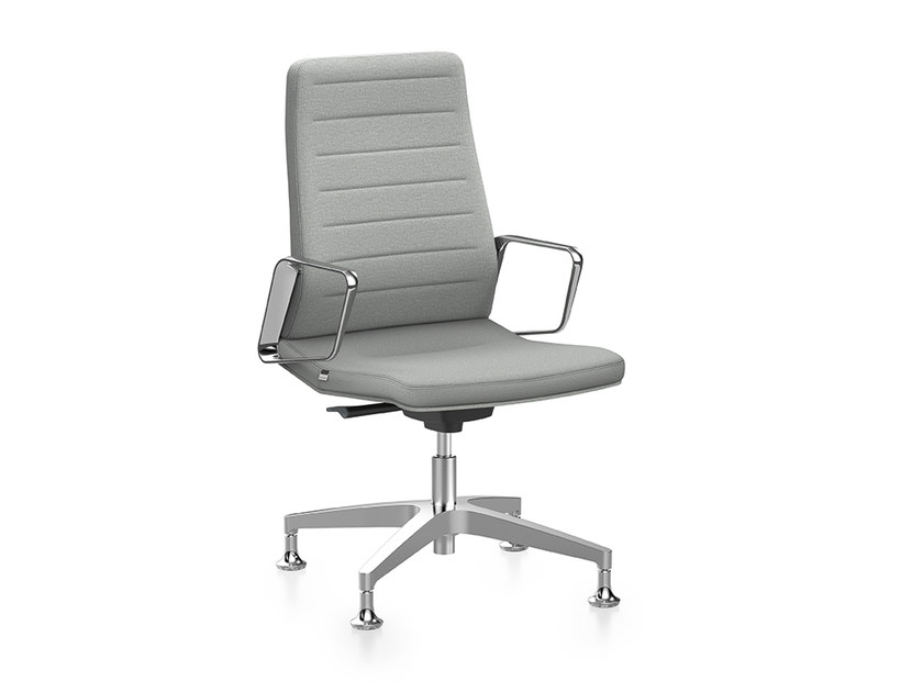 Ergonomic fabric task chair with 4-Spoke base with armrests VINTAGE IS5 1V61 by Interstuhl
