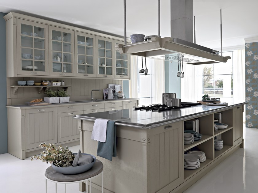 Oak kitchen with island with handles VINTAGE | Kitchen with island by Pedini