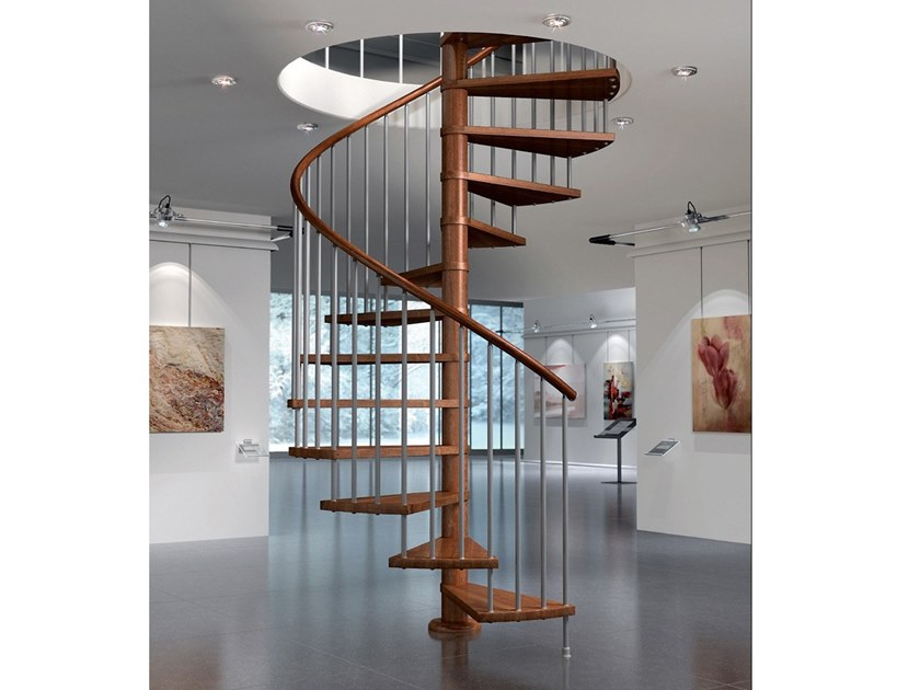 Beech Spiral staircase VIP T by MOBIROLO