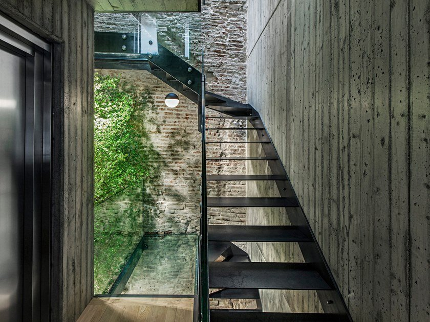 Iron Open staircase VISTA FASCIA by Officine Sandrini