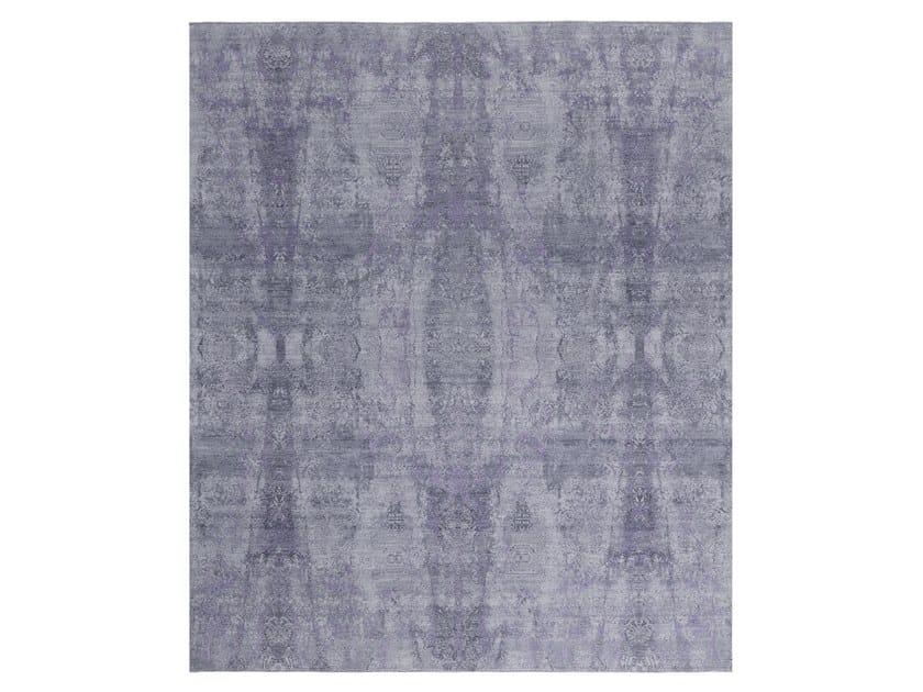 Handmade custom rug VISUAL GREY PURPLE by Thibault Van Renne