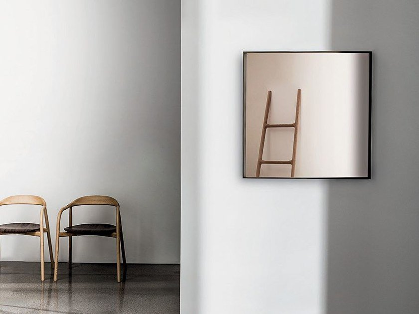 Square wall-mounted mirror VISUAL SQUARE by Sovet italia