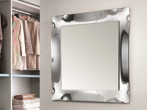 Wall-mounted mirror VIVA | Square mirror by RIFLESSI