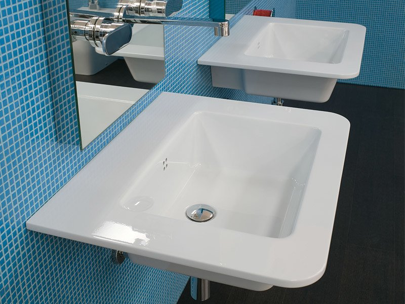 Single ceramic washbasin VOLO 66 by CERAMICA FLAMINIA