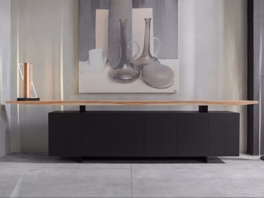 Lacquered wooden sideboard with doors VOLO by Disegnopiù
