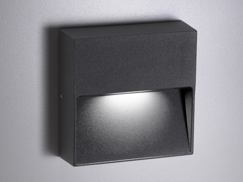 LED aluminium wall lamp BOTTOM | Wall lamp by Ailati Lights