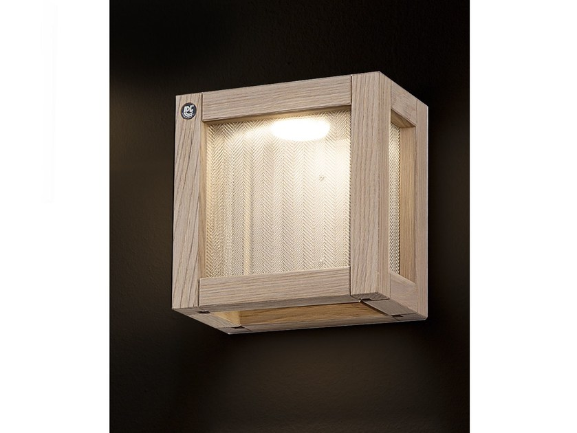 Oak wall light WOODY | Wall light by IDL EXPORT