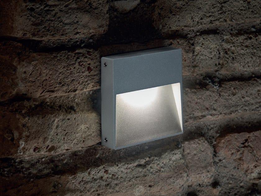 Segnapasso a LED a parete in alluminio STAMP with eyelid by Goccia Illuminazione
